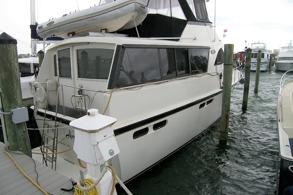 1989Ocean Yachts 48 ft 48 Motor Yacht   Lady Avalon