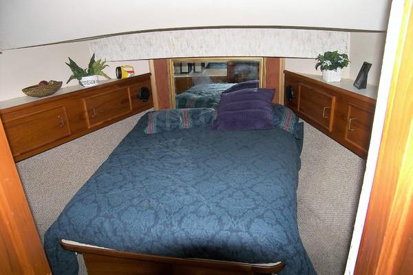 1989Ocean Yachts 48 ft 48 Motor Yacht   Lady Avalon
