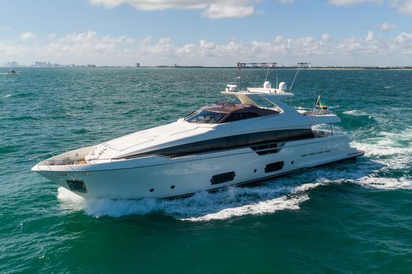 96' Ferretti Yachts 960 2014 | CLUB M
