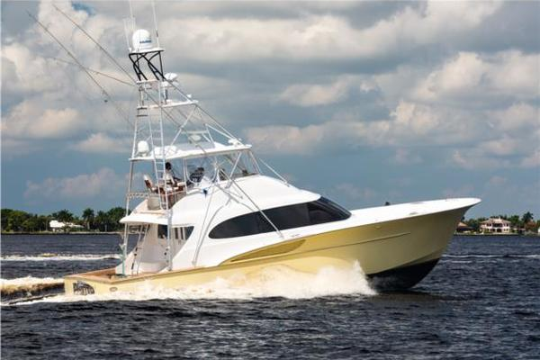 56' Freedom CONVERTIBLE SPORT- FISHERMAN 2010 | FINSTER