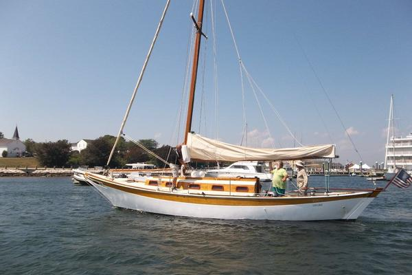 39' Ralph Wiley Sloop 1955 | VIXEN