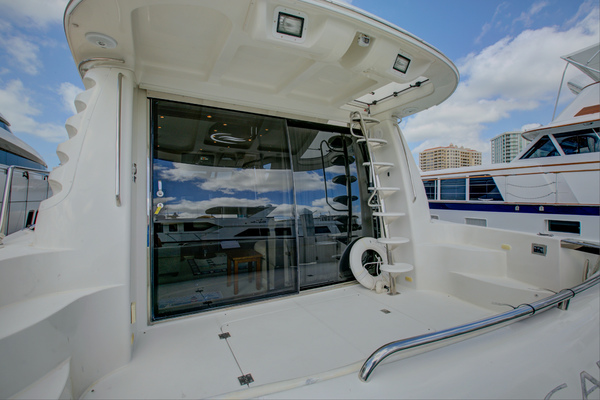 2007Carver 54 ft Voyager 52   Seaductive