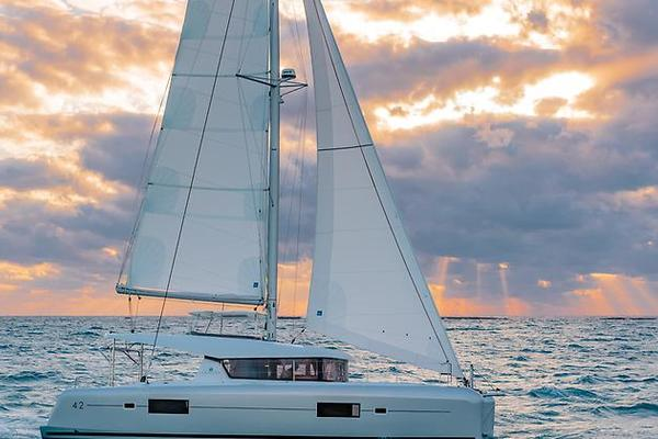 Picture Of: 42' Lagoon 2019 Lagoon 42 2019 Yacht For Sale | 1 of 47