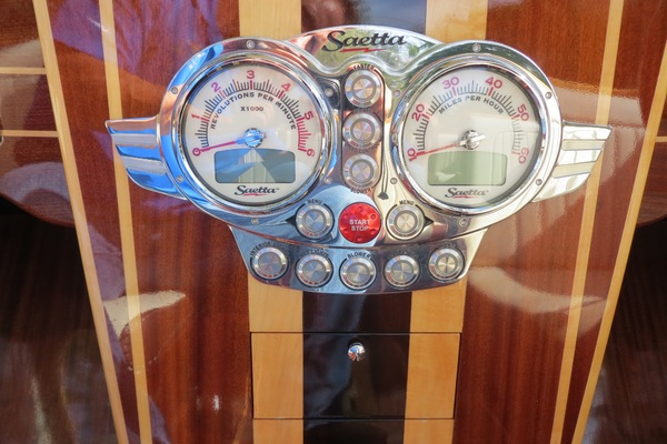 2010Custom 20 ft Saetta Classic Runabout