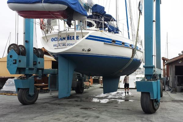 Picture Of: 55' Tayana 55 Center Cockpit 1992 Yacht For Sale | 4 of 8
