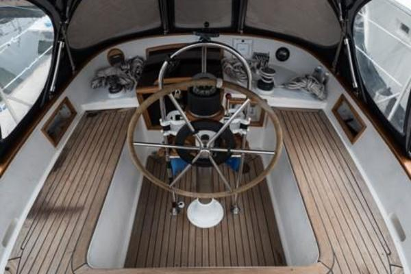 Picture Of: 42' Tayana Vancouver Center Cockpit 42 1982 Yacht For Sale | 4 of 66