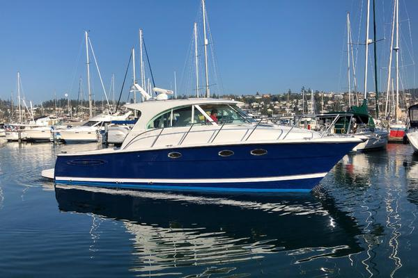 37' Glacier Bay 3480 Enclosed Pilot/Salon 2007 | Stray Cat