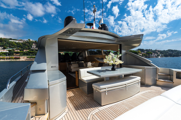 2010 Pershing 80' 80 LOUNOR | Picture 6 of 29