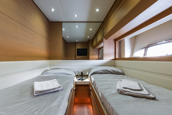 2010 Pershing 80' 80 LOUNOR | Picture 8 of 29