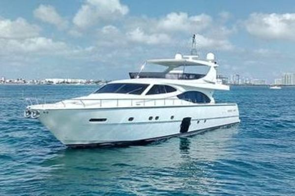2009Ferretti Yachts 78 ft    MR  CANCUN