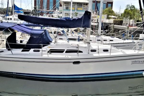 Catalina 35' 350 2004