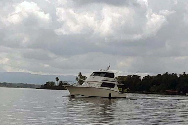 1992 Hatteras 58' Convertible Animo ll | Picture 3 of 32