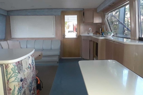 1992 Hatteras 58' Convertible Animo ll | Picture 5 of 32