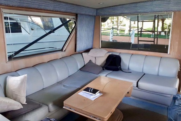 1992 Hatteras 58' Convertible Animo ll | Picture 4 of 32