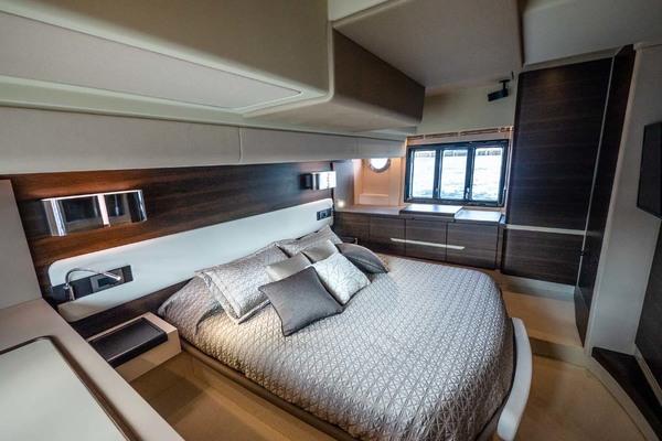 2016 Azimut 50' 50 Flybridge JET PRIVÉ | Picture 3 of 52