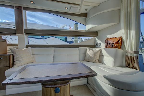 2015Meridian 39 ft 391 Sedan   Hakuna Mayachta