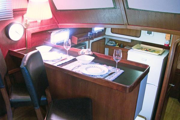 1979Gulfstar 44 ft 44 Motor Cruiser   Anteak