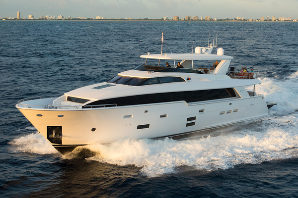 105' Hatteras Raised Pilothouse 2022 |
