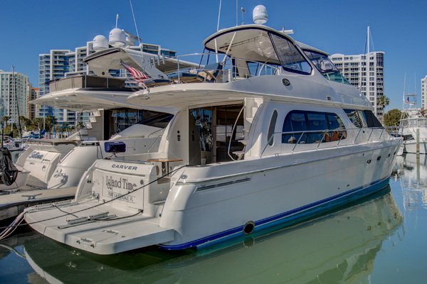 This 2006 56' Carver 56 Voyager for Sale - SYS Yacht Sales