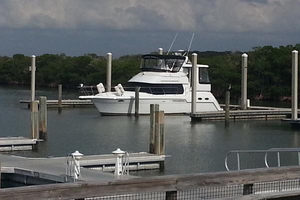 35' Carver 356 Motor Yacht 2001   Dream On