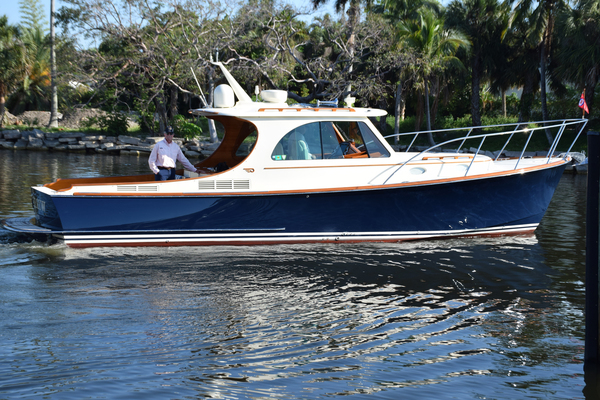 37' Hinckley Picnic Boat Mkiii 2015   Wireless