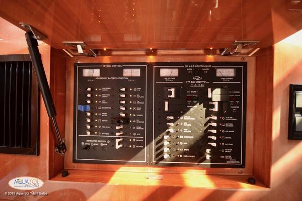 2008Regal 44 ft Commodore
