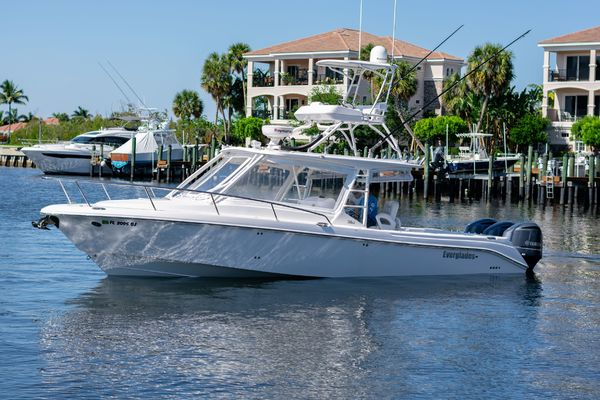 2012Everglades 35 ft 350LX   C Dawg
