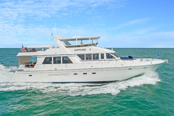 Knight & Carver 70' 2002 | SAPPHIRE