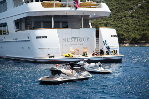 2005 Trinity Yachts 180'  MUSTIQUE | Picture 5 of 55