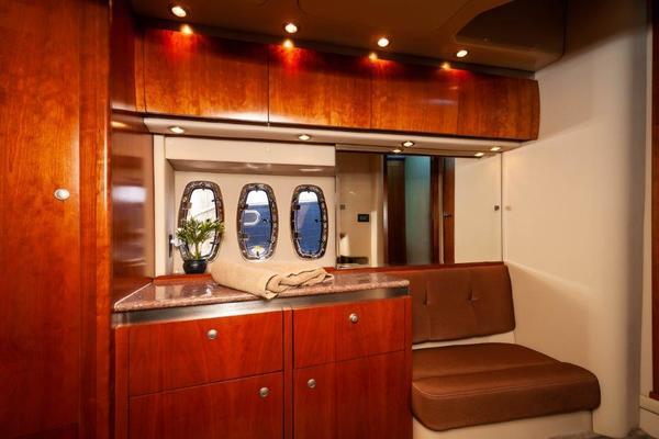 2006 47 Cruisers Salon