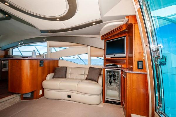 Picture Of: 47' Cruisers Yachts 47 Sport Sedan 2006 Yacht For Sale | 3 of 42