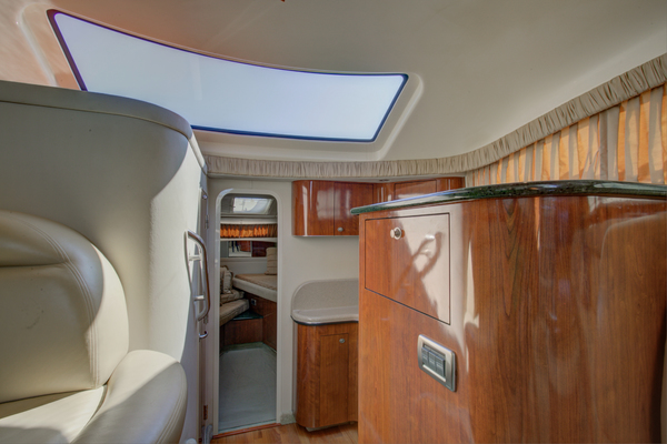 2004Sea Ray 39 ft 390 Motor Yacht   Heavenly