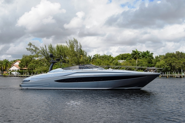 63' Riva 63 Virtus 2014 | Our Trade Riva 63 Virtus