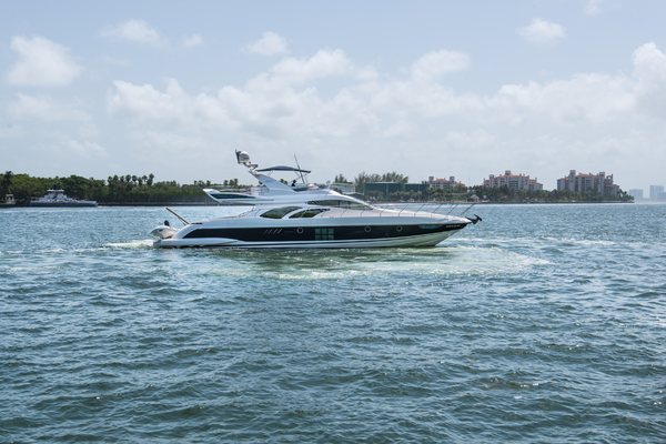 photo of 68' Azimut 68 2008