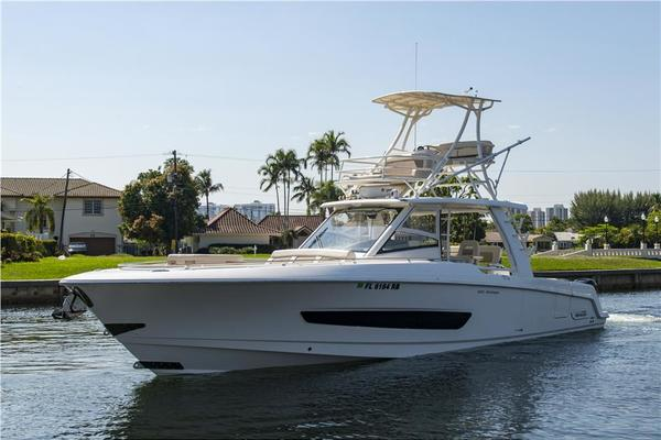 Used Boston Whaler Boats For Sale | SI Yachts