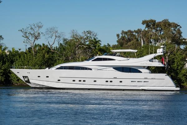Custom Line Ferretti Custom Line Motoryacht