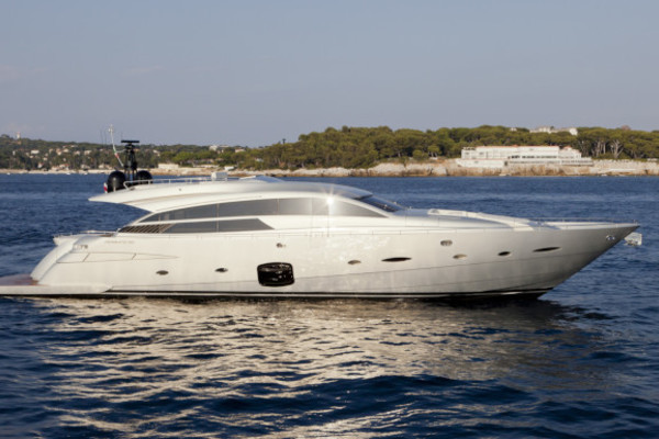 92' Pershing 92 2012 | Doris