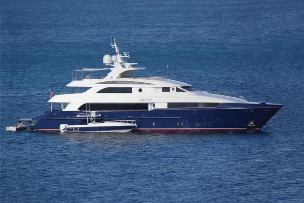 132' Horizon Tri-Deck 2008 | LADY LEILA