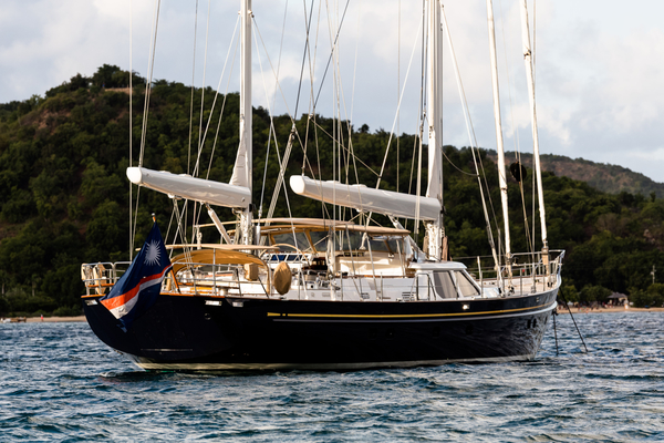 112' Alloy Yachts 1998 1998 | Blue Too