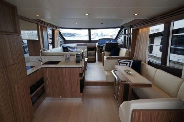 2015 Absolute 56' 56 Fly    Picture 8 of 95