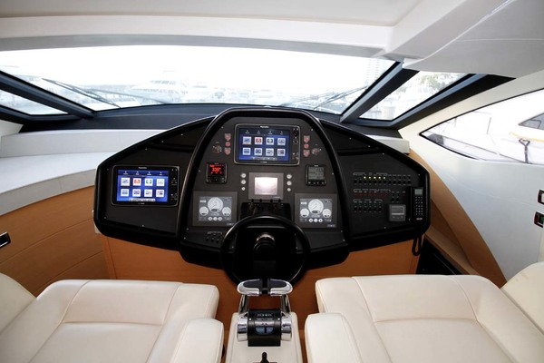Picture Of: 72' Pershing P-72 2008 Yacht For Sale   2 of 45
