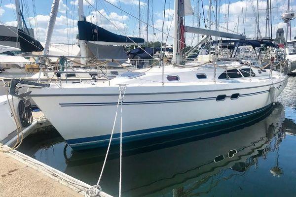 Catalina 39' 387 2004