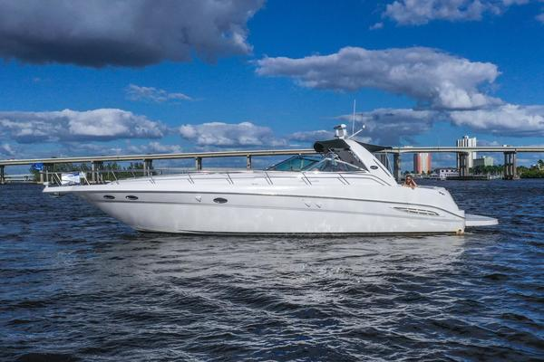 46' Sea Ray 460 Sundancer 2000 | Anticipation