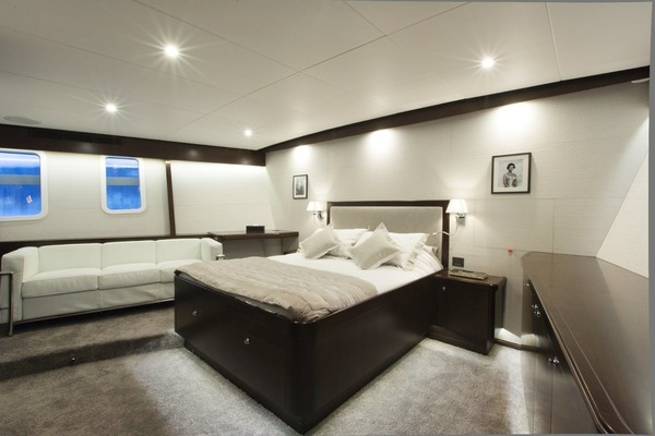 1969 Feadship 84'  SULTANA | Picture 8 of 23