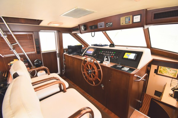 Hatteras Cockpit Motor Yacht 1988 Lady Paragon