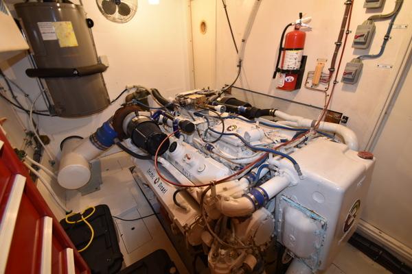 Hatteras Cockpit Motor Yacht 1988 Lady Paragon