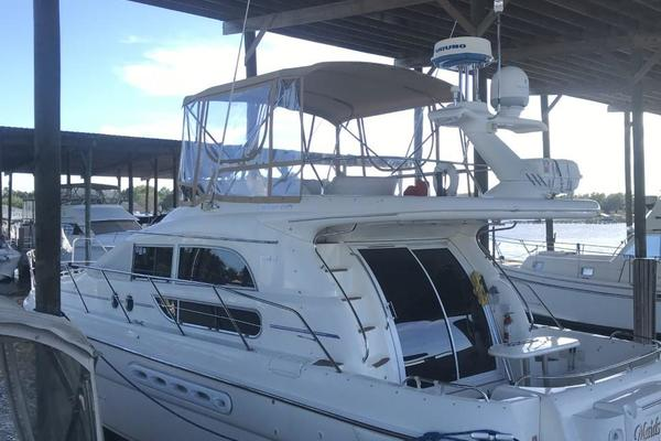 44' Sealine F44 Flybridge 1998 | Maids Quarters