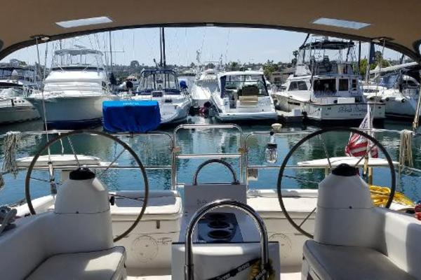 Picture Of: 41' Catalina 400 1999 Yacht For Sale | 4 of 7