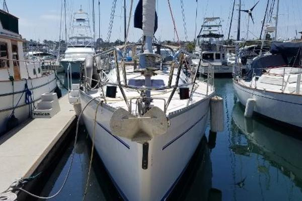 Picture Of: 41' Catalina 400 1999 Yacht For Sale | 3 of 7
