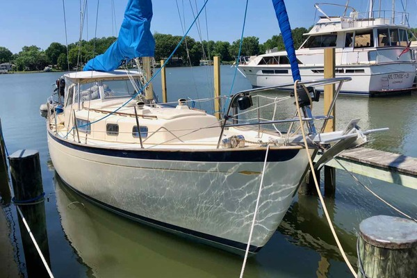35' Hallberg-rassy Ramus 35 Center Cockpit 1972 | Topaz